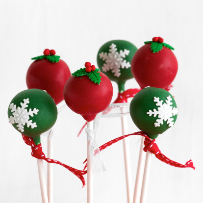 Red and Green Christmas Cake Pops