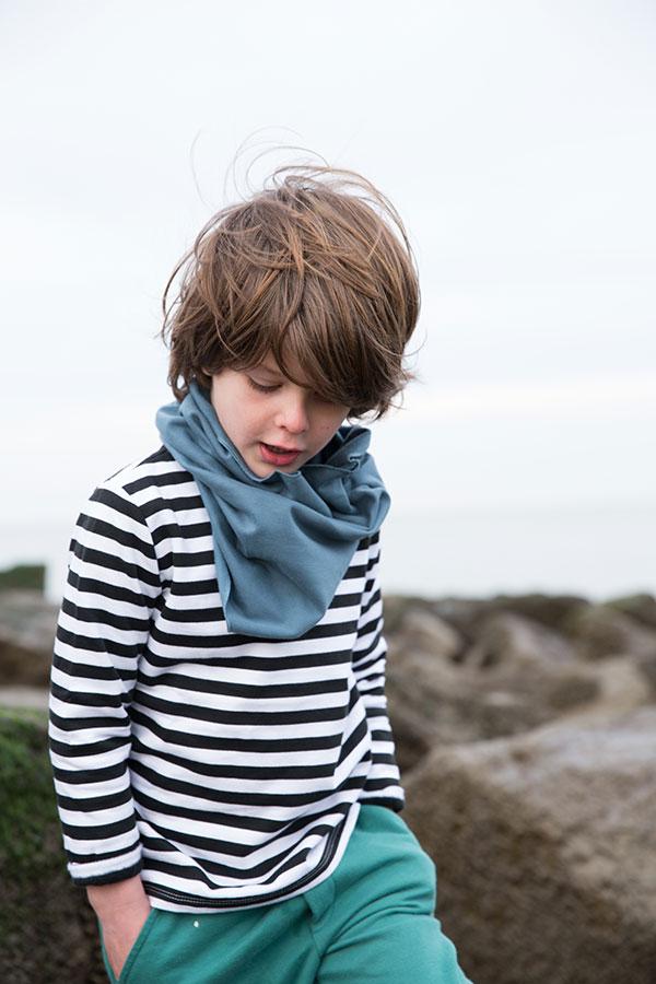 Gray-Label_Campaign_Autumn-Winter_Striped-Sweater_Scarf_Denim_Sea-Green