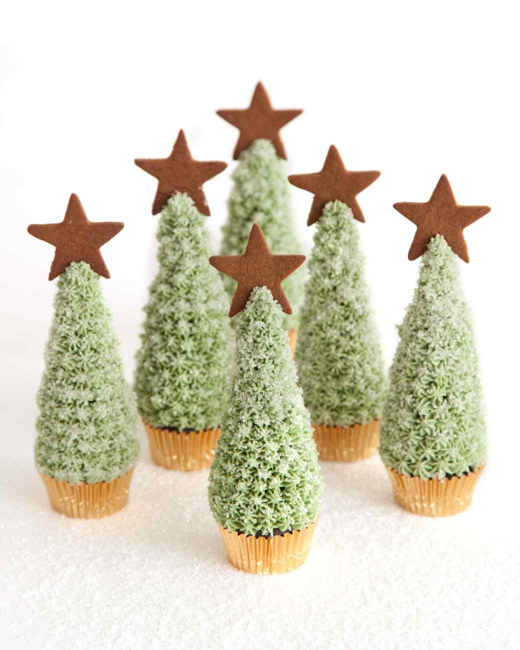 christmas-tree-cupcake-1265_vert