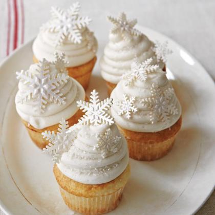 snow-white-cupcakes