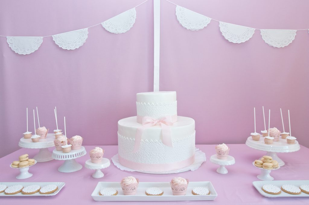 Le 15 torte pi belle per il battesimo di una bimba battesimi blog party piccoli elfi - Decorazioni per battesimo bimba ...
