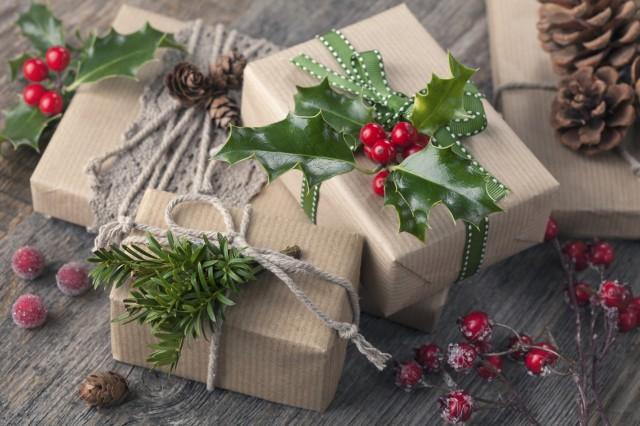 carta-regalo-fai-da-te-natale-riciclo-creativo-1-640x426